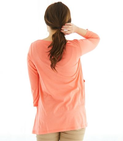 動きやすい 二の腕がほっそり見える ジャストフィットな袖。