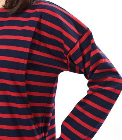 肩のラインをおとした流行のデザイン。 ネイビー×レッド