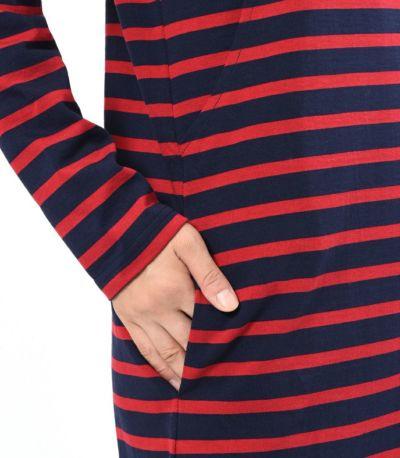 右側に便利なポケット付き。 ネイビー×レッド