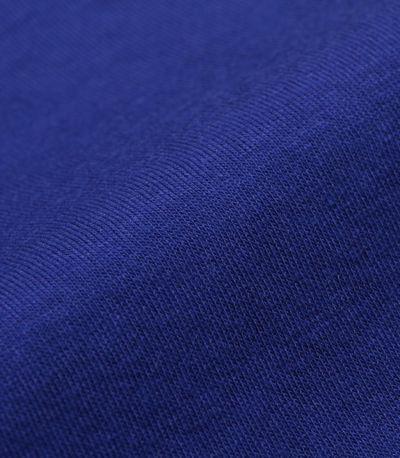 綿モダールは、やわらかく、肌触りのよい素材感。 落ち感があり、きれいめなシルエットを作ります。