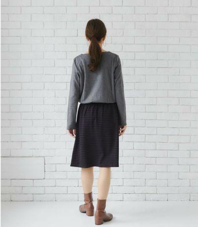 ウエストはゴム使用なので、体型が変化しやすい時期にも着やすい。