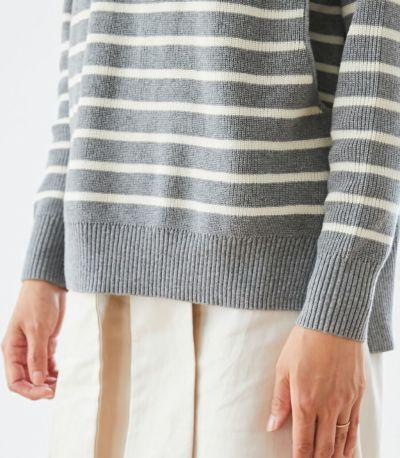 伸縮性のあるリブ編みで家事の際もすっきり着られます。