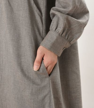 便利なポケット付き。