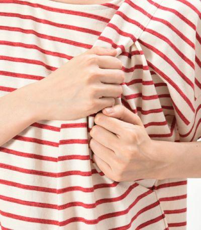 授乳口は抱っこひもとも相性の良いサイドスリットタイプ。
