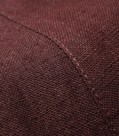 ネパールの手織りならでは肌触りのよい生地。1枚1枚表情が異なる1点物。軽くふんわりとしたやさしい素材