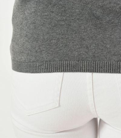 裾はリブ編み