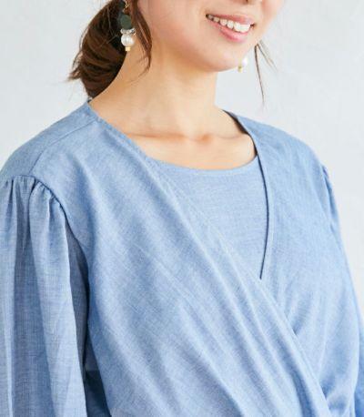 胸元は共布付きで、お子様に引っ張られても安心。授乳服 ナチュラルカシュクールシャツ