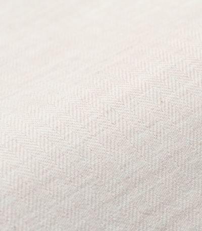 オーガニックコットン100%のヘリンボーンシャンブレー生地。ふくらみのあるソフトな風合い。