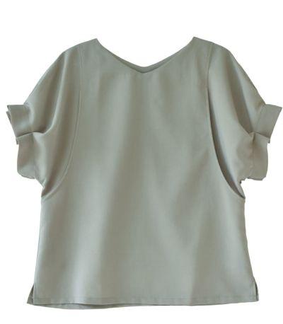 ベージュ:合わせやすいベージュ 授乳服 タックショートスリーブブラウス